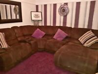 Large Harveys corner suite with lazy bed