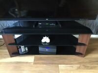 """Tv stand 6 months old fits up to 55"""" tv,cost £130 want £70 ono"""