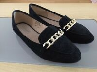 TOPSHOP Black Suede Flat Shoes *LIKE NEW*