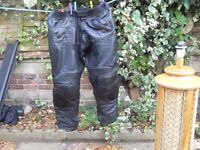 LEATHER BIKER TROUSERS FULLY ARMOURED SIZE 40-42 PLUS JACKETS FULLY ARMOURED XXL AND GLOVES LARGE