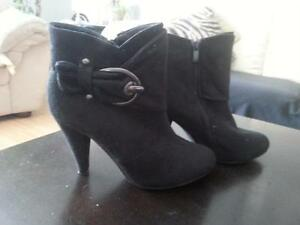 black ankle boots with heel  Suede  has buckle