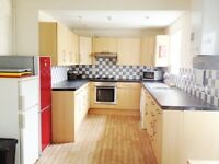 Double Room, Spacious 6 Bed Student House, Prime Location in Cathays