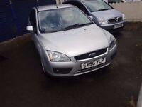 FORD FOCUS ZETEC AUTOMATIC IN EXCELLENT CONDITION AND WITH GENUINE LOW MILEAGE OF 60K FOR SALE
