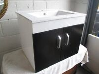 BRAND NEW BEAUMONT 60cm WALL HUNG CERAMIC SINK WITH TWO DOOR UNDER BASIN CABINET