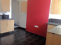 Fenton- 2 bed terr- excellent