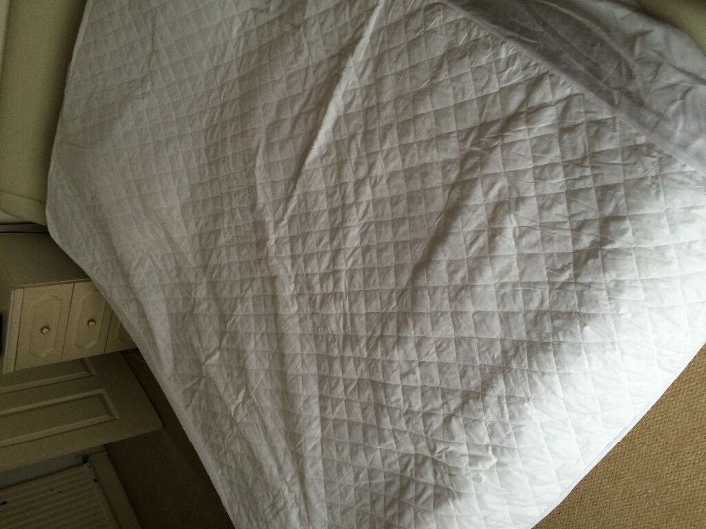 Waterproof king size mattress protection in Beeston  : 86 from www.gumtree.com size 1024 x 768 jpeg 105kB