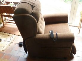 Willowbrook Newhampton reclining armchair