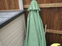 Parasol 2.9 Metre With Metal Base collect Orpington