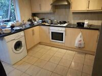 Double room for couple in Harrow Hackett close wealdstone £500 per month including bills