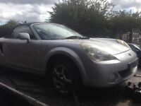 2004 TOYOTA MR2 ROADSTER 1.8 VVTI 1ZZFE IN SILVER BREAKING FOR PARTS AND SPARES