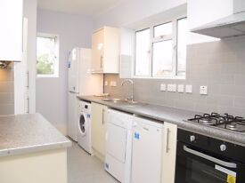 Newly refurbished TWO DOUBLE bedroom flat - PRIVATE GARDEN - Hawkesbury Road, Putney, London SW15