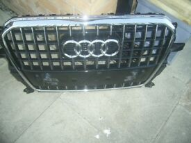 Audi Q5 S Line original Front grill excellent condition