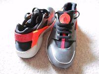 Junior Nike Huarache Trainers
