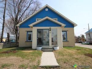 135 000$ - Maison à un étage et demi à vendre à Normandin
