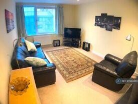 1 bedroom flat in Union Lane, Isleworth, TW7 (1 bed) (#933389)