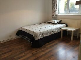 clean DOUBLE ROOM available 10 mins walk away from BETHNAL GREEN ST (central line) #zone2