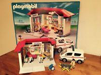 Playmobil 5012 Clinic & Ambulance