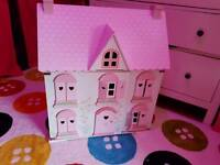 ELC wooden house with extras