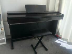 Yamaha YDP 144 Piano