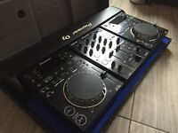 Pioneer CDJ 350 decks and mixer & Flight Case