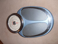 EKS retro style, adjustable, accurate bathroom scales
