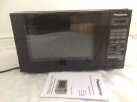 Microwave Panasonic BRAND NEW includes all packaging