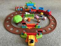Happyland Train Station set + accesories