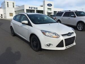 2014 Ford Focus SE - WINTER TIRES, BLUETOOTH, HEATED SEATS