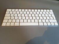 Apple Magic Keyboard MLA22B/A (UK Version)