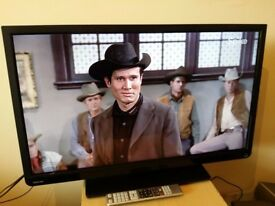 """Great 32"""" TOSHIBA LED TV hd ready freeview inbuilt"""