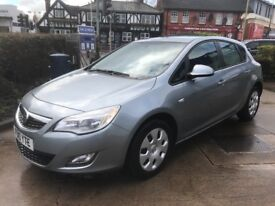 VERY LOW MILEAGE,HPI CLEAR,AUTOMATIC 2010 VAUXHALL ASTRA EXCLUSIVE 1.6 PETROL 6 SPEED,46000 MILES