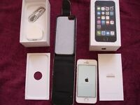 *BOXED* iphone 5s, WHITE AND SILVER, 16GB EE, ORANGE, Virgin Mobile, Asda Mobile, CO-OP, Plusnet +