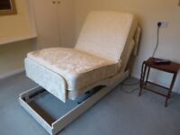 Single electric orthopaedic bed - Adjustamatic Heritage