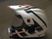 Bell MX-9 Adventure Helmet Raid White / Orange