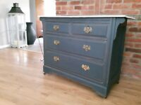 Vintage Shabby Chic chest of drawers/sideboard