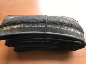 Continental 700x25c road bike tyre