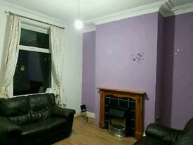 3 bedroom house to let in BD4 east bowling