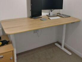 IKEA Bekant Oak veneer/white sit/standing desk