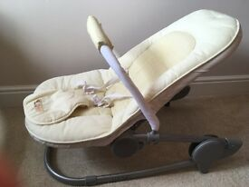 Mamas & Papas baby chair - different positions and easy storage