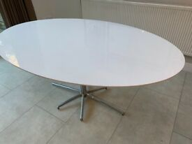 Dwell White high gloss oval table