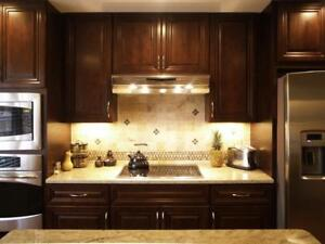 Kensington 10' x 10' full wood kitchen - Financing available (O.A.C.) - $58 a month