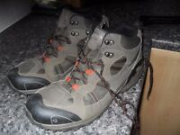 REGATTA HIKING BOOTS VERY GOOD CONDITION WATERPROOF SIZE 11