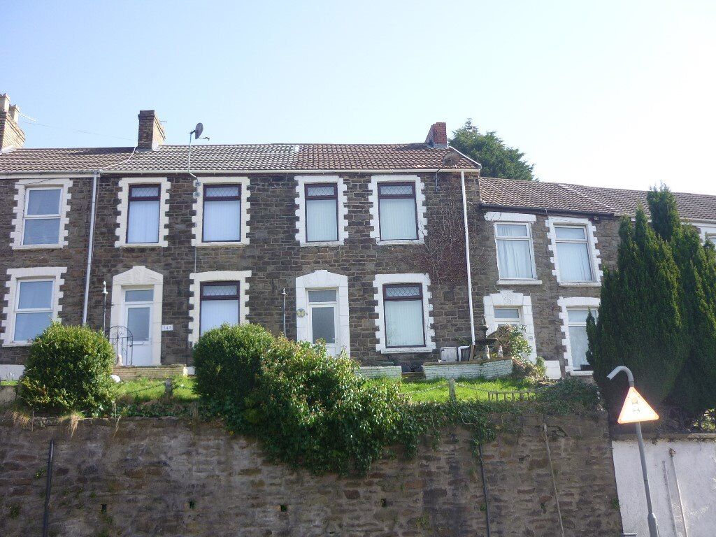 THREEBEDROOM HOUSE IN BRYNHYFRYD AVAILABLE NOW