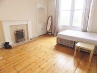 4 bedroom furnished HMO licensed 2nd floor flat to rent on Morningside Road, Morningside, Edinburgh