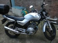 Yamaha YBR 125 silver,56 plate,good condition,MOT April,great for learner/commuter.Mileage 29400