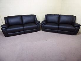 QUALITY EX DISPLAY SCS 'TAURUS' PAIR OF 3 SEATER SOFAS BLACK LEATHER MANUAL RECLINING SETTEE SUITE
