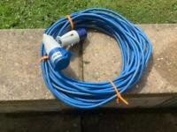 Hook up cable 25 metres