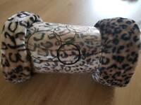 Brand new faux fur throw large animal print