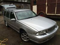 Volvo V70 2.4 estate spares or repairs