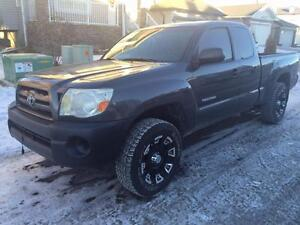 2009 Toyota Tacoma 4 cyl very economical on gas